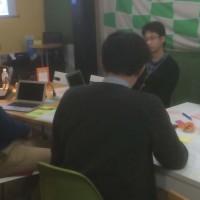 ファシリテーションワークショップ参加者による模擬会議の様子